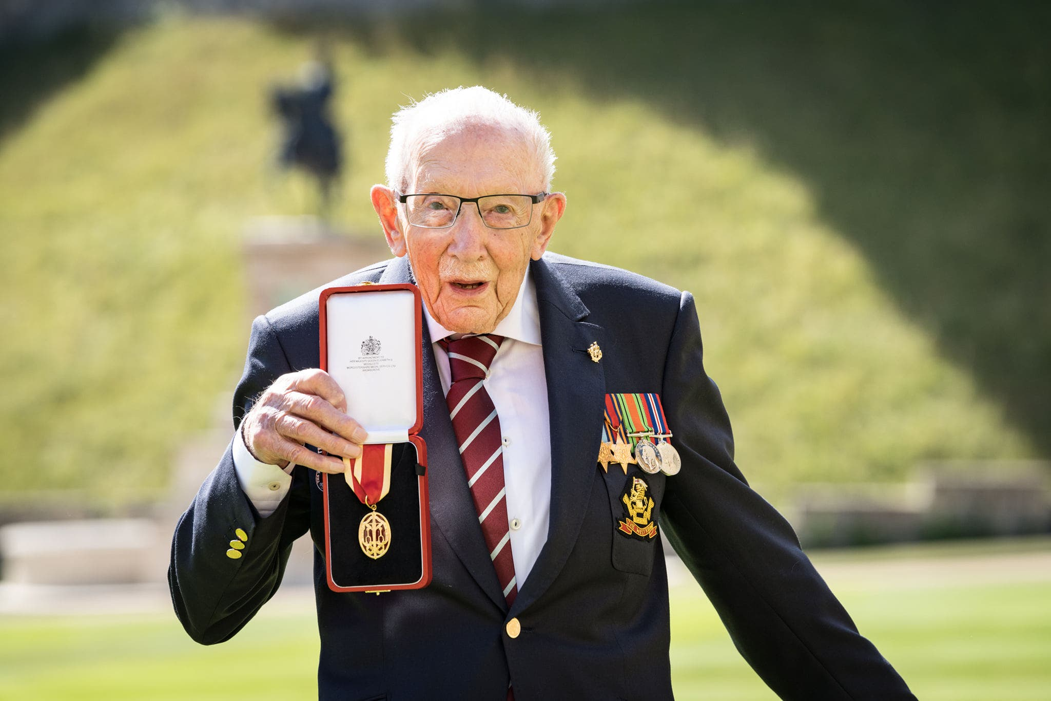 Knighthood for Captain Tom Moore