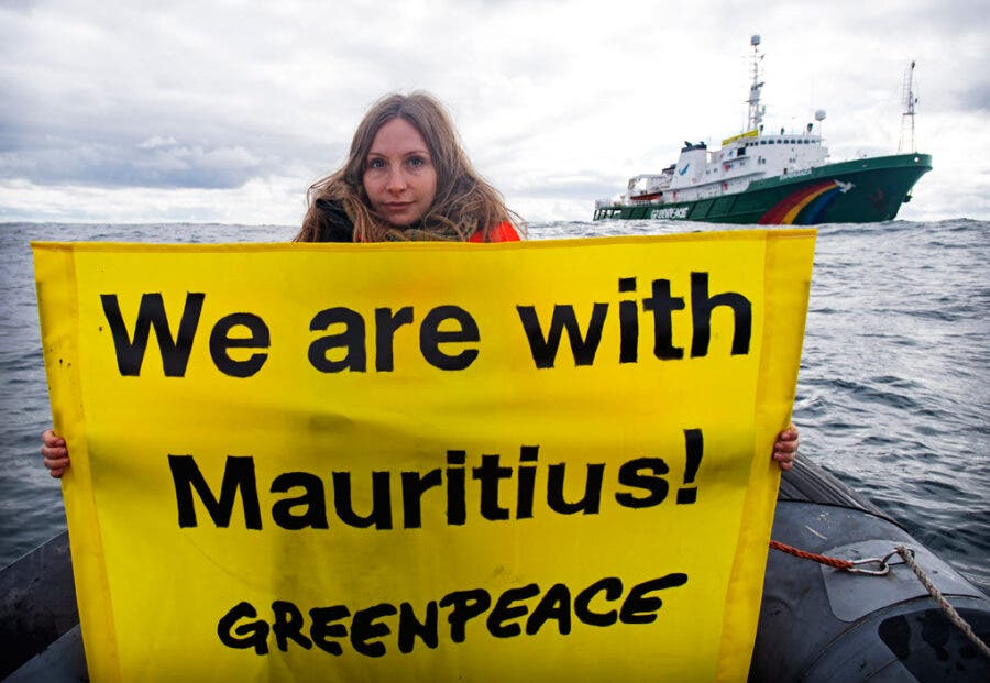 Greenpeace in solidarity with Mauritius