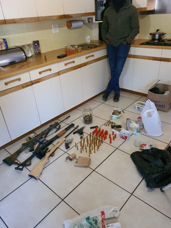police weapons brothers putfontein