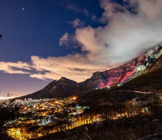 table-mountain-cape-town-painted-red-lightsared