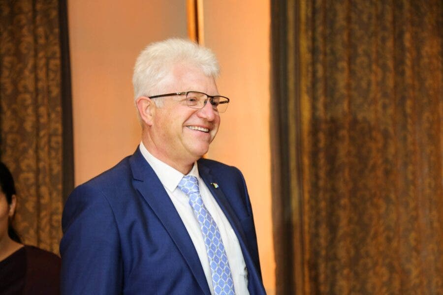 alan winde premier western cape south africa