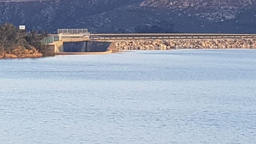 As can be seen today, the water at Theewaterskloof Dam is not yet overflowing. Photo: Donna Hadfield Herbert