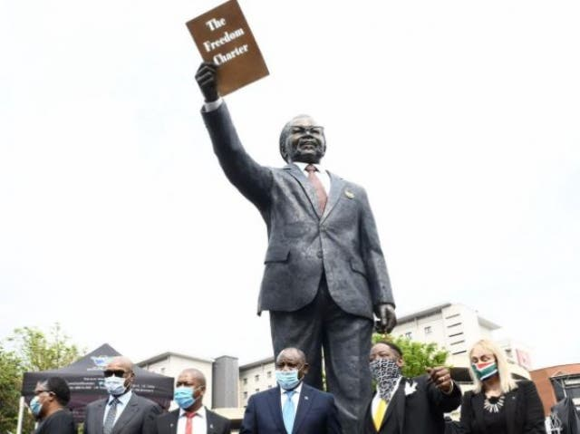 OR Tambo statue at airport