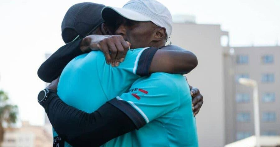 Kabelo Mabalane and Peteni Kuzwayo ran 600km in 17 days to raise money for hungry children. Photo: FB/Peteni M Kuzwayo