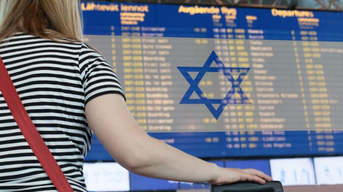 Israel Bans Flights from South Africa, UK and Denmark Because of New Strain