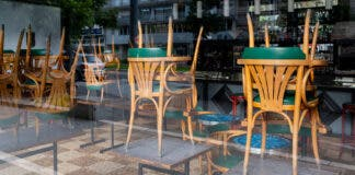 restaurants-closure-time-south-africa-iStock-th
