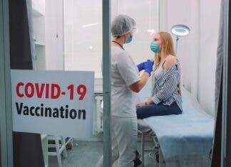 South Africa in Race to Roll Out Vaccine - Carte Blanche Tonight