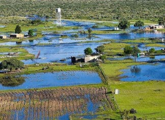 Northern-Cape-villages-cut-off-floods