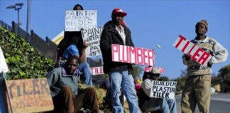 South Africa's Unemployment Rises to 32.5%