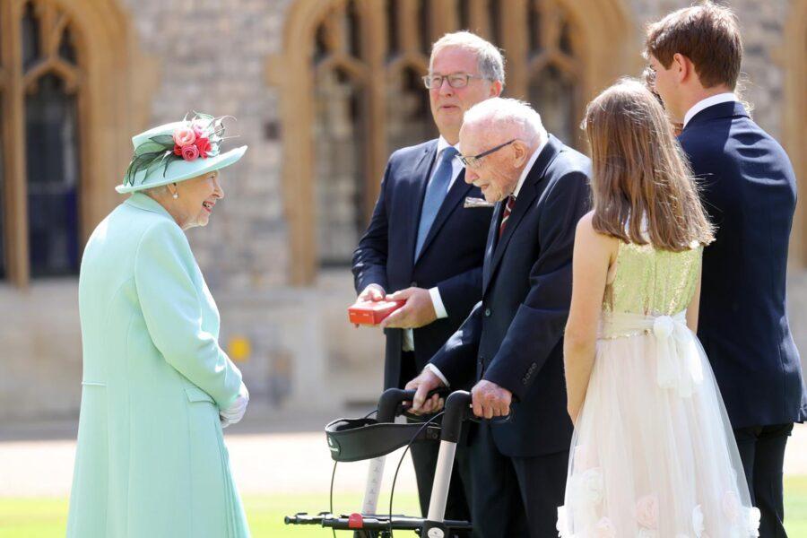 captain sir tom moore with Queen Elizabeth