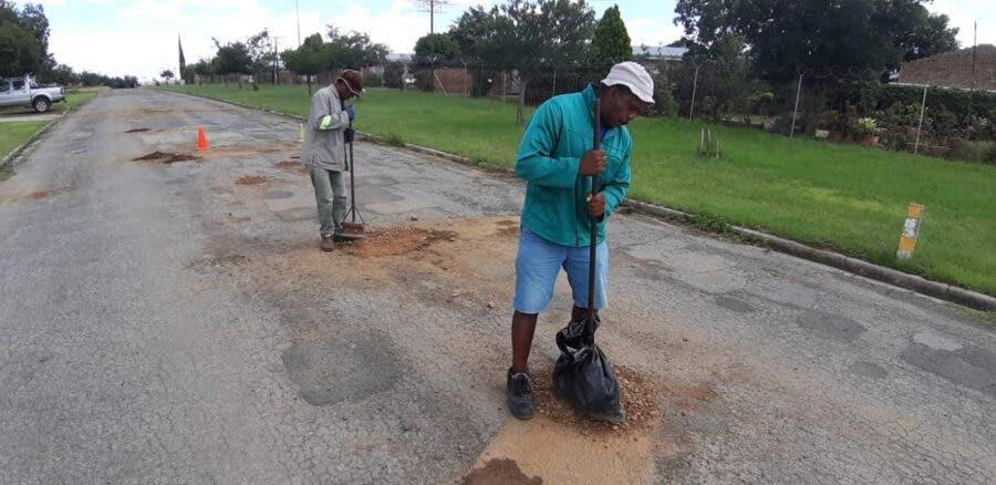 unemployed helping fix Senekal