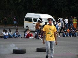 Students at the University of Johannesburg blocked the roads at Auckland Park campus. Photo: Julia Evans
