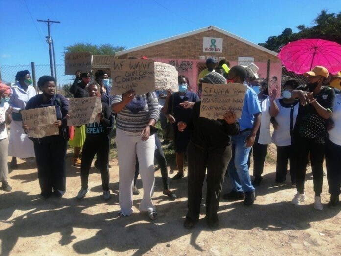 Community health workers protest outside Lukhanyo Clinic in Addo last month for permanent jobs. The provincial department of health says it does not have funds to renew their contracts. Archive photo: Mkhuseli Sizani