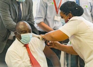 South African President Cyril Ramaphosa receives a Johnson & Johnson vaccination at the Khayelitsha Hospital in February 2021. Archive photo: Jeffrey Abrahams