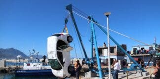 US Tourist's Car Rolls into Hermanus Harbour