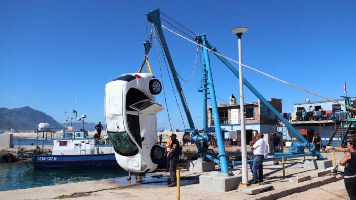 US Tourist's Car Rolls into Hermanus Harbour