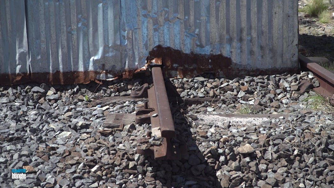 shacks rail lines Cape Town Carte Blanche