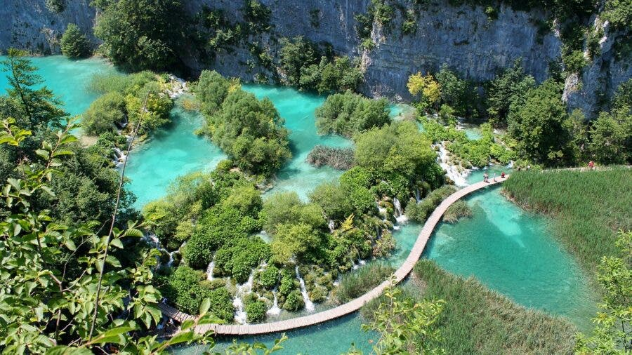 faf speedo fine plitvice-lakes-croatia