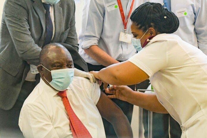 President Cyril Ramaphosa getting vaccinated on 17 February. Archive photo: Jeffrey Abrahams