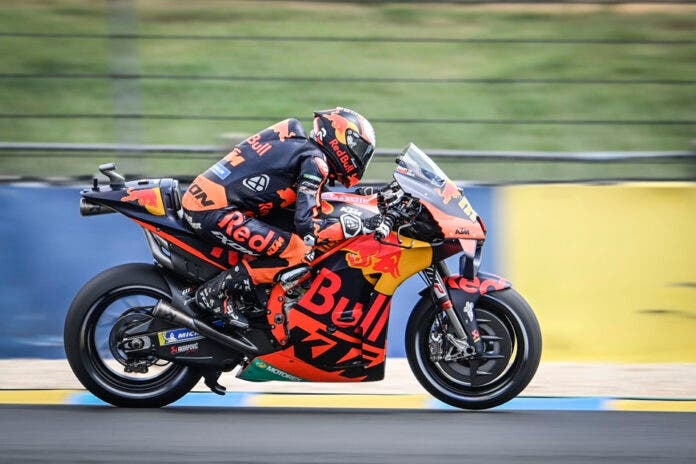 Brad Binder performs at the French MotoGP World Championship in Le Mans, France on May 16, 2021 // Gold & Goose / Red Bull Content Pool