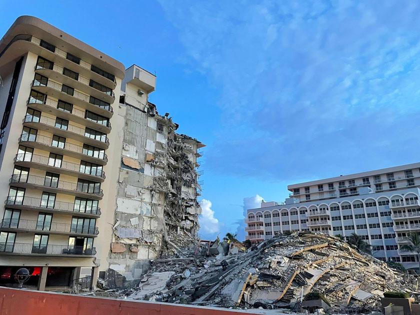 Miami building falls down