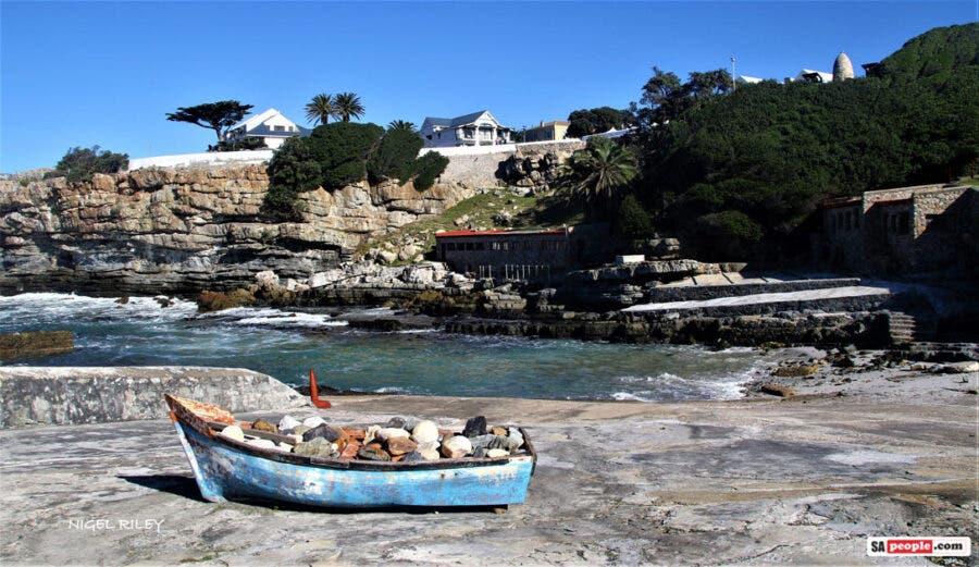 hermanus boat rocks