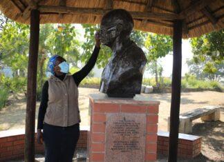 gandhi monument phoenix